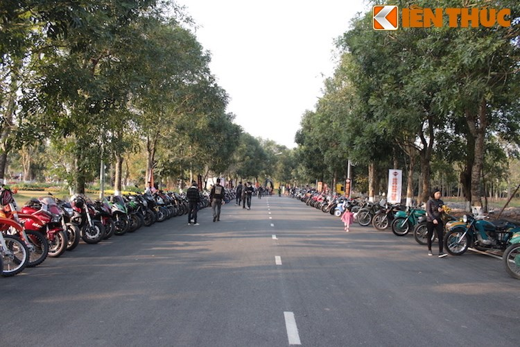 "Dan choi moto phia Bac ram ro show ""xe khung"" tai Ha Noi - Anh 2"