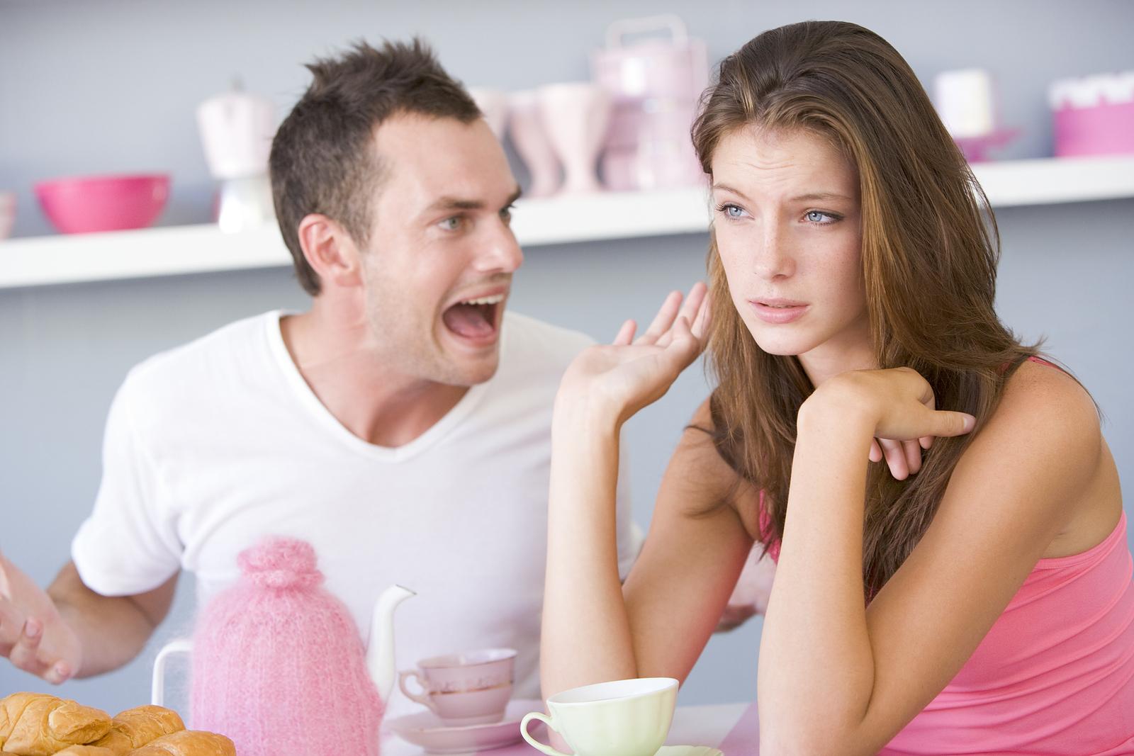 - 1 1147322 - Phụ nữ vô phúc khi lấy phải đàn ông hay nói những câu sau