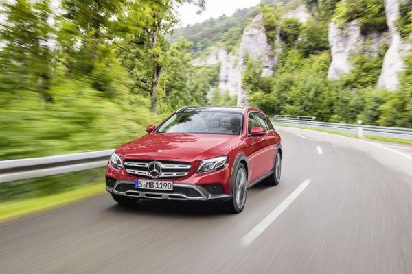Mercedes-Benz ra mắt E-Class có khả năng off-road
