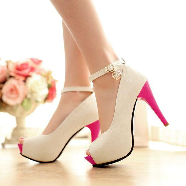 Chị em thường xuyên đi giày cao gót đừng bỏ qua những điều này