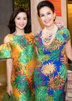 Hai người đẹp cùng tên My 'đọ sắc' với váy hoa cúc