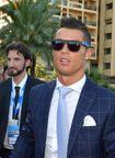 Ronaldo lại khiến fan phát sốt với diện mạo của mình