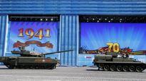 Siêu xe tăng Armata của Nga bị sự cố trên Quảng trường Đỏ ?