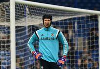 Cech đòi sang Arsenal