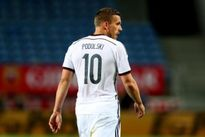 Podolski đã rời Arsenal