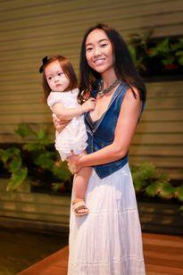 Con gái Đoan Trang mũm mĩm đáng yêu khi xuất hiện cùng mẹ