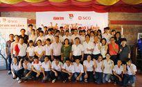 """Xúc động lễ trao học bổng """"Chung một ước mơ"""" tại Hà Nội"""