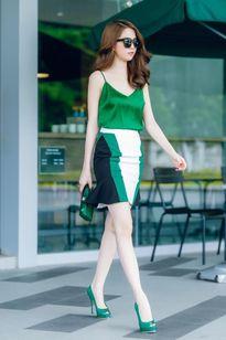 """Tuyệt chiêu mặc đồ """"cao như siêu mẫu"""" của loạt sao Việt"""