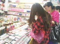 """Hà Nội: Tràn lan thị trường mỹ phẩm """"đa không"""""""