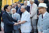 Chủ tịch nước tiếp cán bộ ngoại giao tiêu biểu các thời kỳ