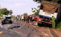 Ô tô 4 chỗ đối đầu xe tải, 2 người tử vong