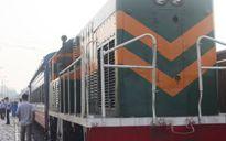 Tàu hỏa tông xe tải khiến tài xế tử vong