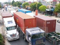 Ách tắc giao thông nghiêm trọng do phân làn sửa chữa quốc lộ 5