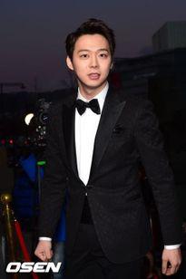 Park Yoo Chun, thành viên nhóm K-pop JYJ, lên đường tòng quân