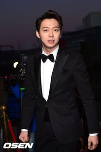 Bất chấp hen suyễn, Park Yoo Chun, thành JYJ, vẫn lên đường tòng quân