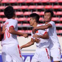 Thắng U.19 Singapore 6-0, U.19 Việt Nam đặt một chân vào bán kết