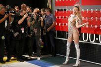 Miley Cyrus và dàn sao diện đồ sexy quá hớp tại MTV VMAs