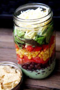 """Salad màu sắc - """"đòn bẩy"""" dễ thương cho người giảm cân"""