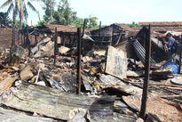 Cháy chợ, tiểu thương bất lực nhìn hàng trăm triệu đồng ra tro