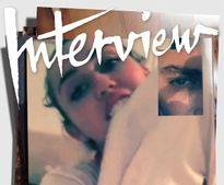 Miley Cyrus lộ ảnh khỏa thân chat cùng trai đẹp