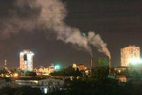 Xí nghiệp xả khói gây ô nhiễm