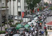 TP. HCM: Lệ phí đăng ký ôtô chính thức tăng gấp 5,5 lần