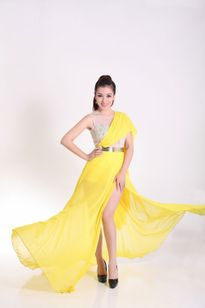 Hoa khôi Thu Hương làm giám khảo Mrs World China