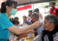 Vedan khám bệnh, phát thuốc miễn phí cho 2.000 người nghèo