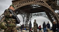 NÓNG: Tháp Eiffel đóng cửa, sơ tán du khách sau cảnh báo khủng bố