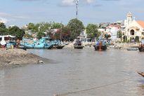 Báo động bồi lấp cửa biển Phan Thiết