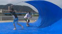 Ảnh động: Sự thật màn vừa lướt sóng vừa tung hứng