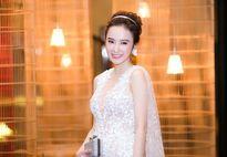 Angela Phương Trinh, Nhã Phương 'đọ sắc' trên thảm đỏ thời trang