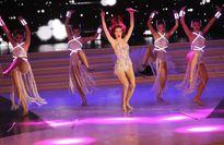 Xem lại màn bikini đốt mắt của người đẹp Hoa hậu Hoàn vũ VN