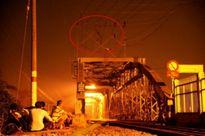 Nam thanh niên chơi đá nhảy múa trên cầu bị tàu hỏa tông chết