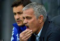 Mourinho thừa nhận không hiểu tại sao Chelsea lại chơi kém