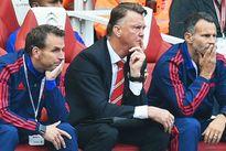 Van Gaal và chiếc vòng kim cô ở Old Trafford