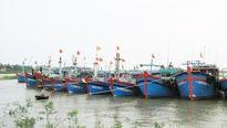 Biên phòng Thanh Hóa cứu 8 ngư dân gặp nạn trên biển