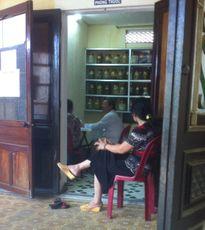 Thừa Thiên Huế: Lật tẩy xe ôm giả danh lương y, bác sỹ