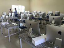 Sinh viên ghen tị với dàn iMac mới cóng của thần dân Bách Khoa TPHCM