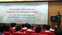 """Đại học Y Dược thành phố Hồ Chí Minh: Phong tặng tiến sĩ danh dự cho Chủ tịch Hiệp hội """"Trái tim vì trái tim"""""""