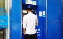 Đánh rơi ví tiền, bị kẻ gian rút sạch tiền trong thẻ ATM