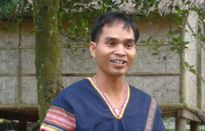 Niềm đam mê đàn đá của chàng trai người Jrai ở Kon Tum