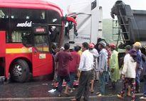 Tài xế xe khách trong vụ đối đầu xe đầu kéo đã tử vong