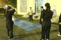 Chuyện đời võ sư mù dạy công phu ở trường Ngoại ngữ