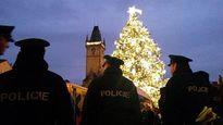 Cây thông Noel thách thức khủng bố