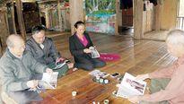 Bản Cao Lan giữ văn hóa nhà sàn