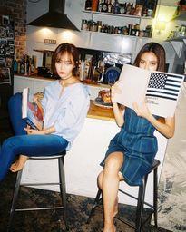 Yuri (SNSD) cùng cô em họ gây sốt tung ảnh khoe vòng một táo bạo