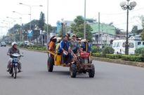 Kiên quyết nghiêm cấm các loại xe công nông, độ chế lưu thông trên đường