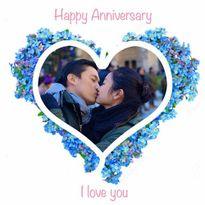 Facebook sao 30/11: Lam Trường hôn vợ kỷ niệm ngày cưới