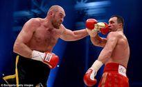 Tyson Fury - Từ bé sơ sinh nặng 0,5 kg đến kẻ chinh phục thế giới
